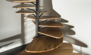 oak-spiral-staircase-metal-backbone-4-shadows